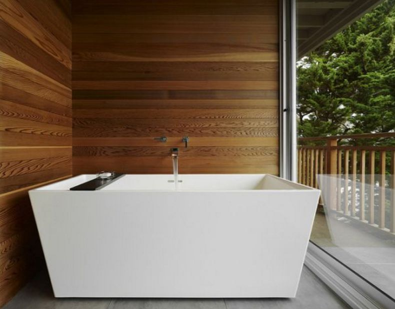 ahşap duvarlar ile banyo