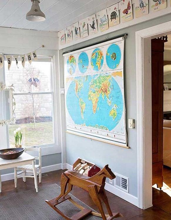 çocuk odası tablo ile duvar dekorasyonu