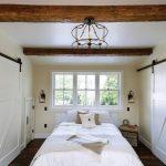 rustik tarz yatak odası için ahşap kirişler