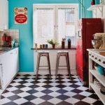 siyah beyaz dama desenli mutfak zemin fayansı