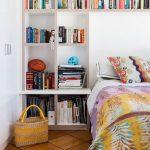 yatak başı kitaplık dekorasyonu