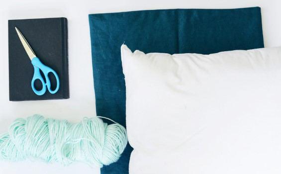 püsküllü yastık yapımı için gerekli malzemeler