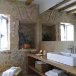 doğal taş kaplamalı duvarlar ile banyolar 2019