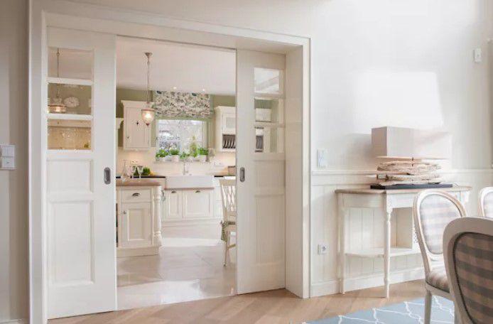 mutfaklar için beyaz sürgülü kapılar