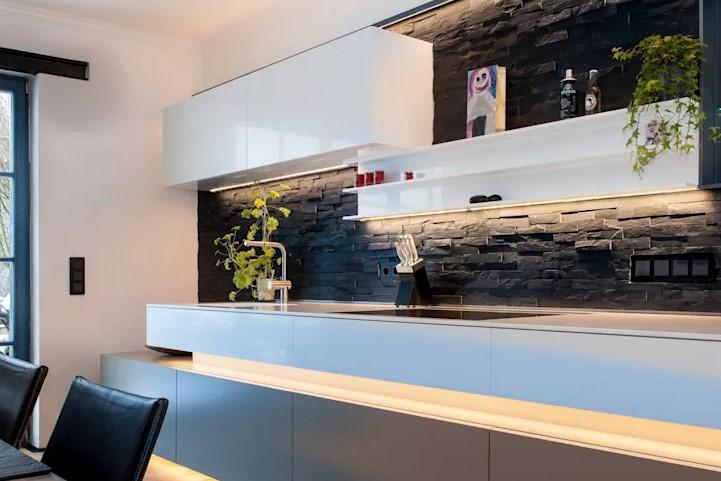 siyah taş duvarlı mutfaklar 2018