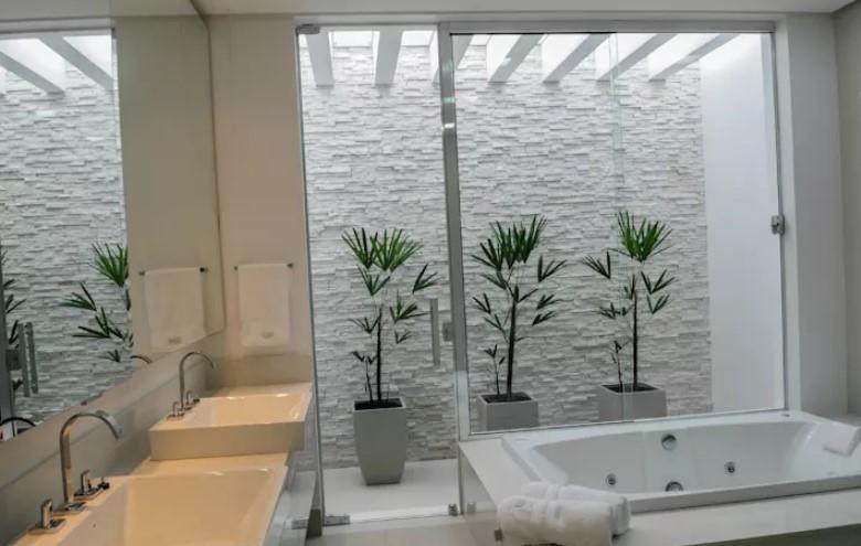 taş duvarlar ile banyo dekoru 2018