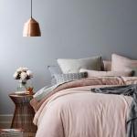 gri ve pembe yatak odası dekorasyonu 2018