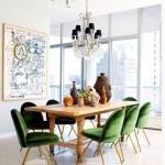 yeşil kadife sandalyeler ile yemek odası