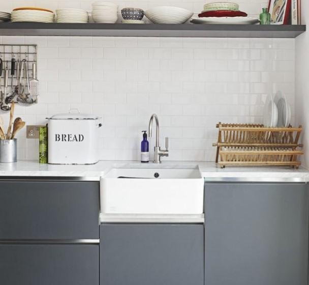 griye boyalı mutfak dolapları