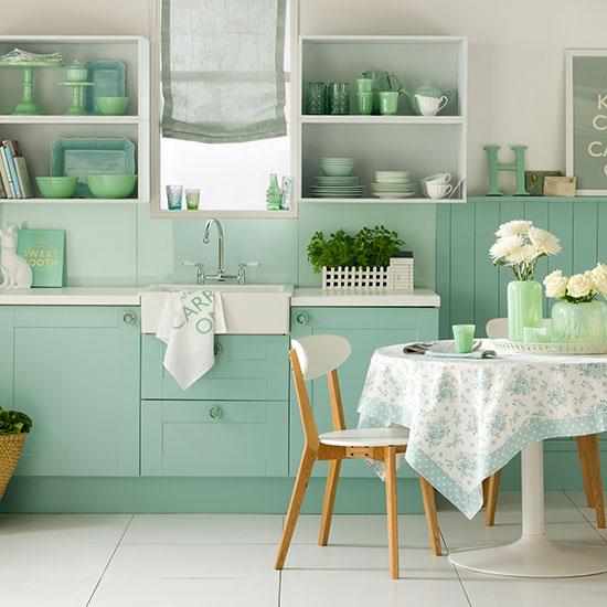 nane yeşili boyalı mutfak dolapları
