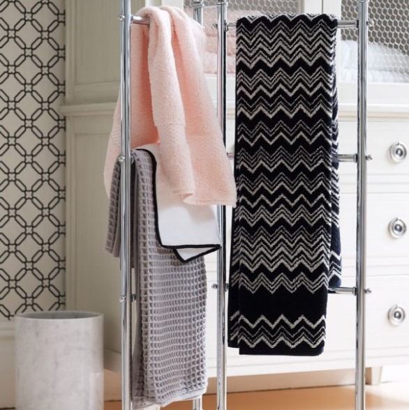 banyo havluları ile dekor