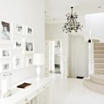 beyaz renk koridor dekorasyonu