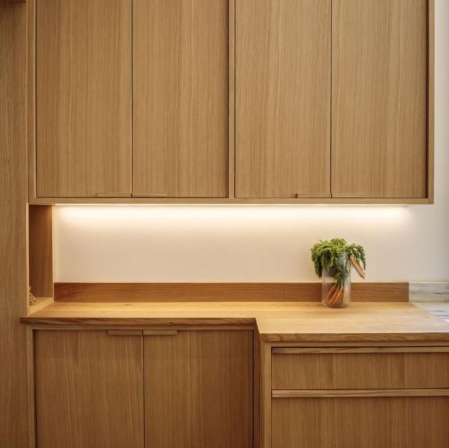 doğal cilasız ahşap mutfak dolapları