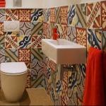 Tuvalet için patchwork fayanslar
