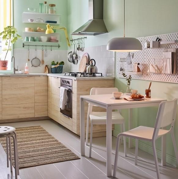 küçük mutfaklar için yemek masası