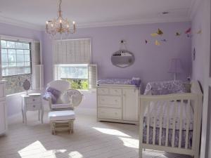 Mor Renkli Çocuk Odası