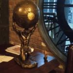 altın heykel