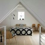 minimal çatı katı yatak odası